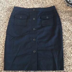 Ann Taylor black pencil skirt w/pockets